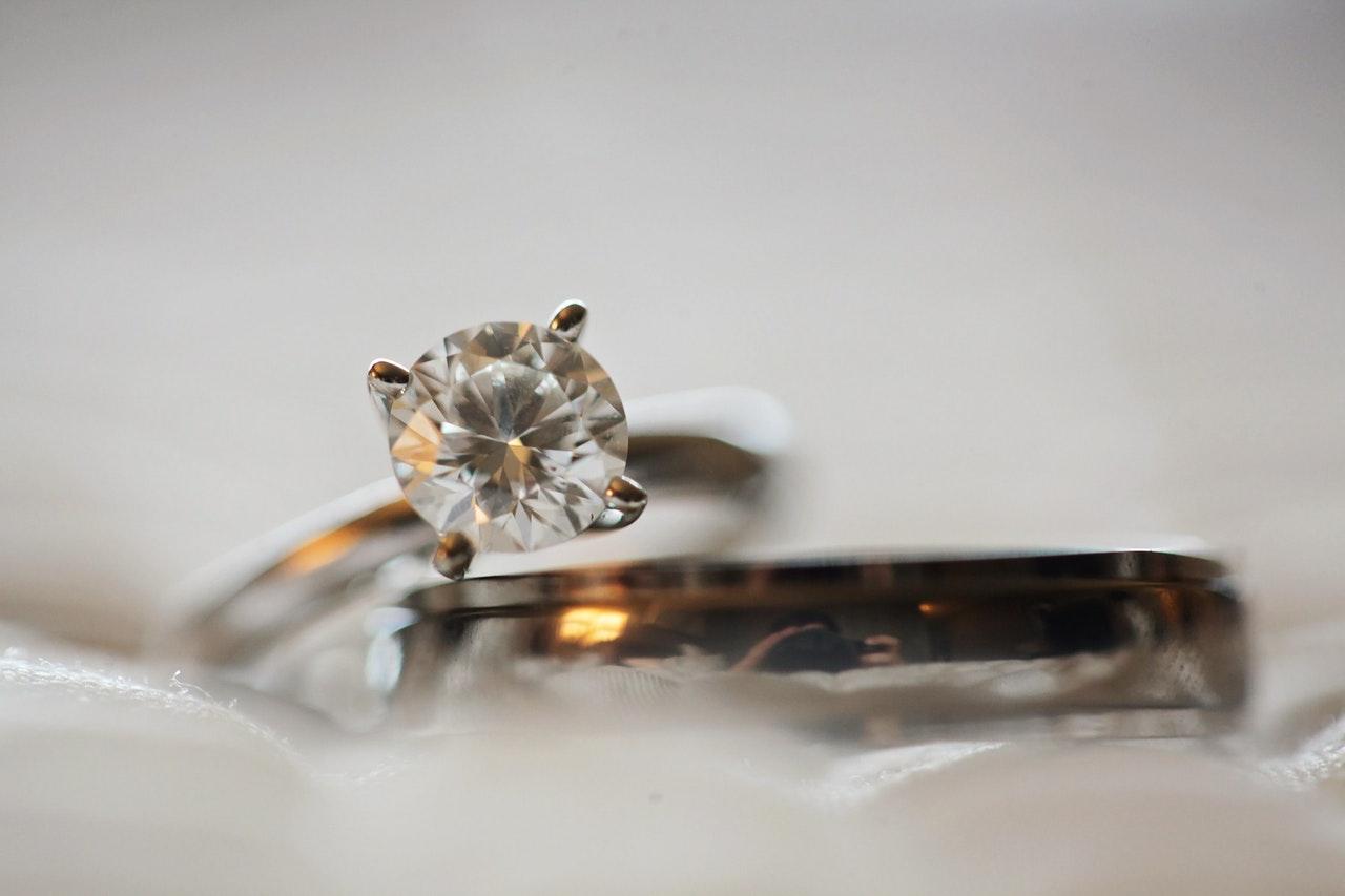 Kłopotliwe rozmiary pierścionków