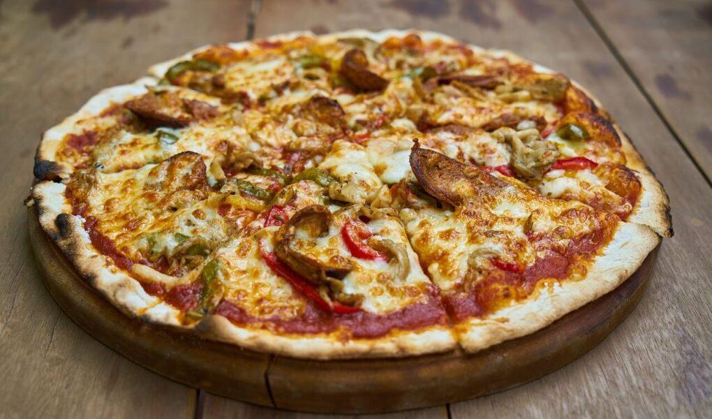 Dlaczego pizza to doskonały pomysł na obiad?